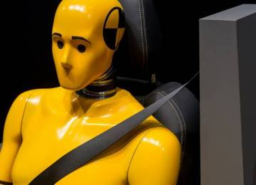 Automobilový průmysl má cíl zvýšit povědomí o bezpečnostních technologiích kvůli zveřejňování nových údajů EU o úmrtích na silnicích
