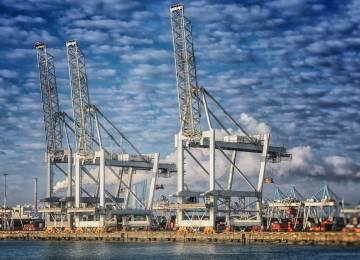 V případě tvrdého Brexitu budou posílat denně zpět 400 kamionů. Majitelé velkých přístavů varují před chaosem