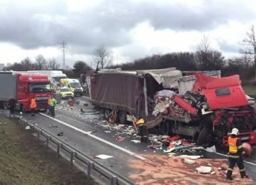 Dopravci se obávají medializace nehod kamionů, kterých ale ubývá