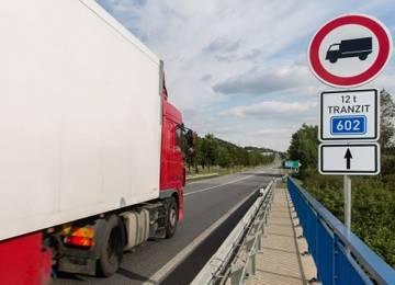 Vnitro chce prosadit zákaz jízdy kamionů od sobotní půlnoci